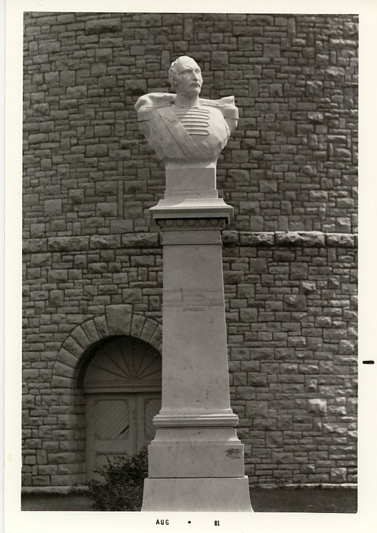 Ypsilanti_Water_Tower_Exterior_Cross_and_bust