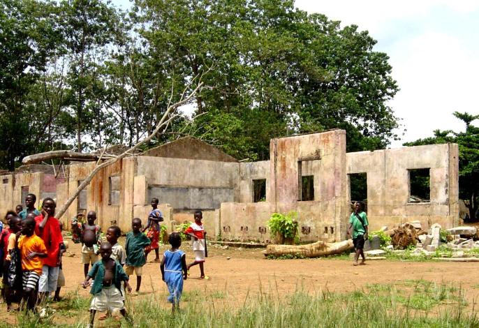 school_destroyed_by_sierra_leone_civil_war